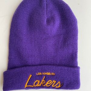 Mitchell and Ness Lakers Beanie New